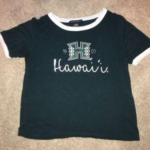 Tops - UH t shirt!